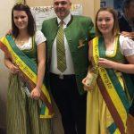 Karl Posch mit Edelbrandprinzessin Heidi und Mostprinzessin Carina